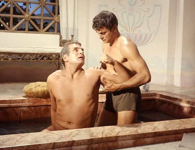 spartacus-laurence-olivier-gay-bath-tony-curtisx633
